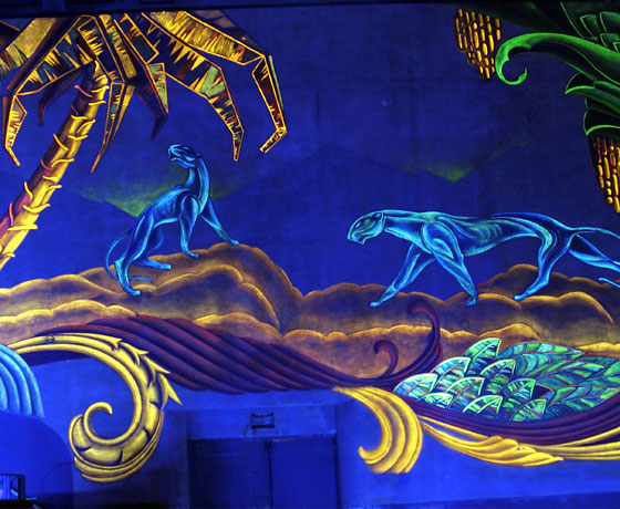 Movie palaces of days gone by cruisemates cruise for Black light mural